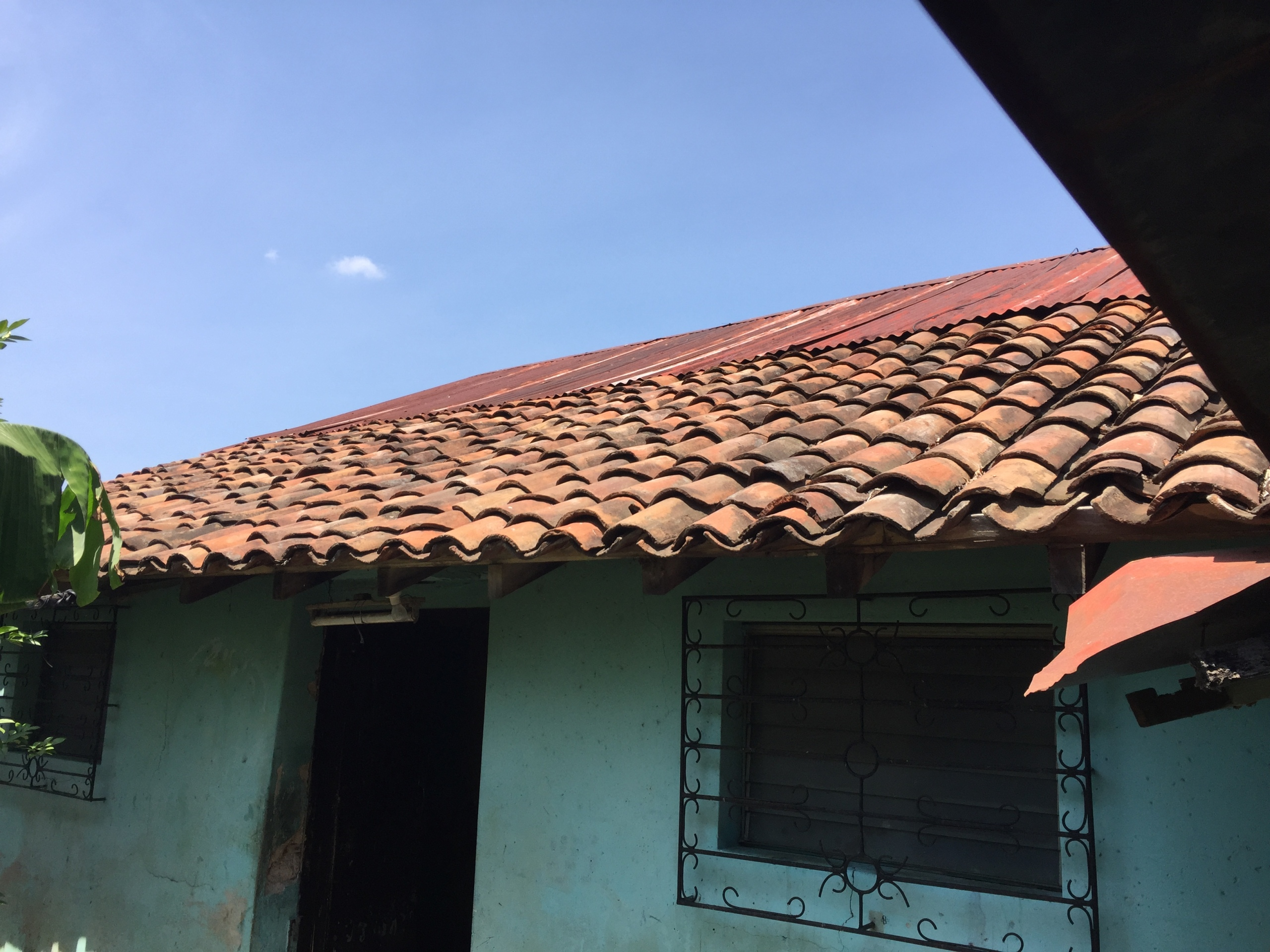 real estate, buying, home, house, Leon, Nicaragua, roof, shingles,