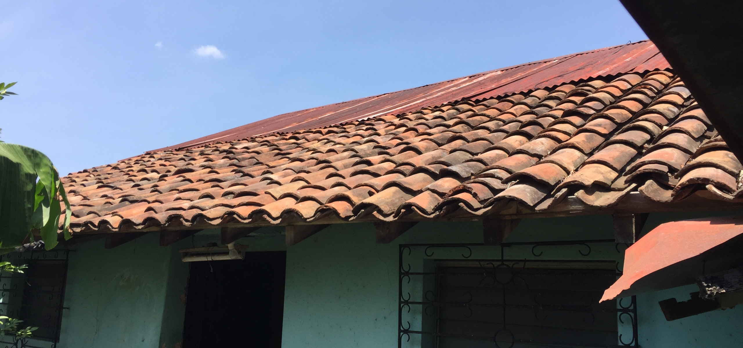 real estate, buying, home, house, Leon, Nicaragua, roof, shingles,