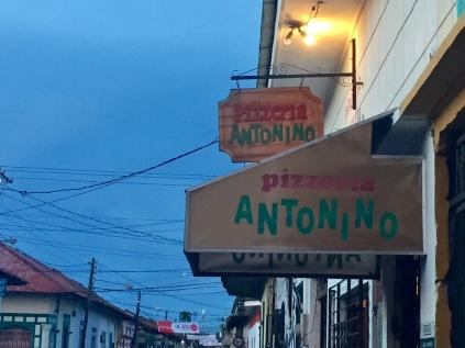 Leon, Nicaragua, pizza, Antonino's, expat, travel